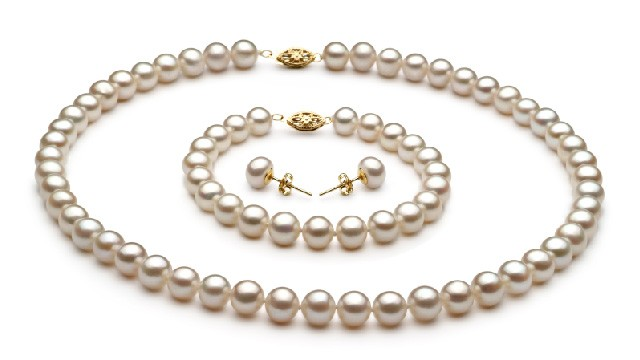 View White Freshwater Pearl Set collection